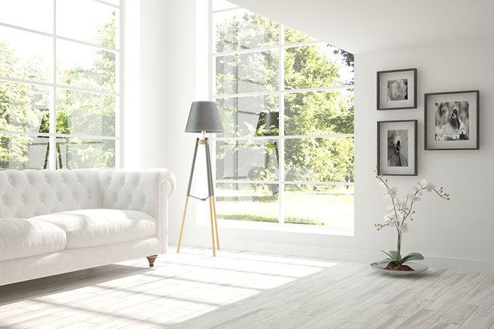 Podłoga drewniana, panele podłogowe czy płytki ceramiczne – jak wykończyć kuchenną posadzkę?