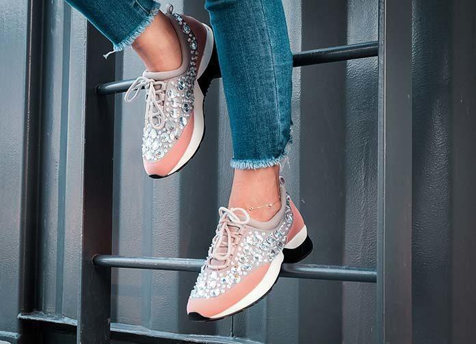 Sneakersy damskie – najlepszy wybór na wiosnę
