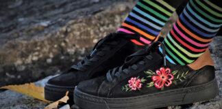 Kolorowe sneakersy dla kobiet