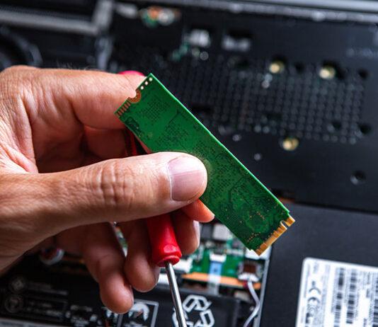 Pojemny dysk SSD 1 TB jako nośnik danych do laptopa